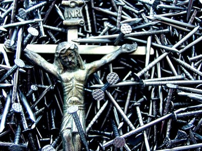 http://www.morethings.com/god_and_country/jesus/crucifixion_photo_gallery01.htm